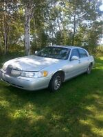 2000 Lincoln Town Car Other