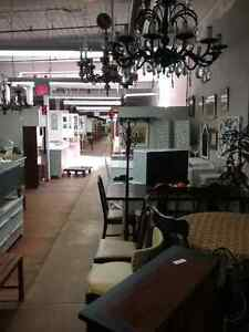 Canada's largest antique mall 600 booths to explore  Gatineau Ottawa / Gatineau Area image 5