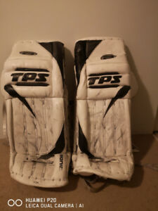 Men's goalie gear