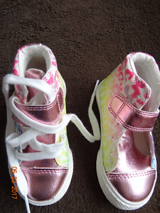 Keds for a girl 12-24 mo, size 6, new, Children's Place