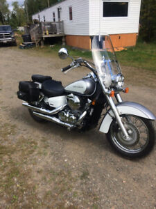 MUST SEE 2014 mint condition Honda shadow aero