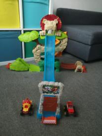 Blaze and the monster machines animal island stunt speedway