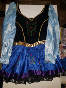 Costumes (Anna & Snow White)