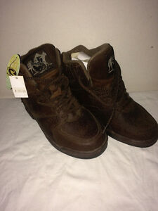Ladies ROPER, Lace-Up, Horse Shoe Boots - Size 5 - NEW