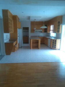 4BR 3Bath 7 Appliances Immediate