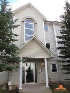GREAT 1000 sqft Apartment w/ Heat & Hot water INCLD!! CALL/TEXT
