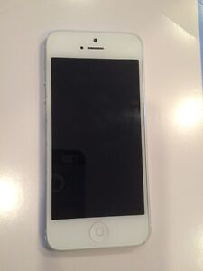 FOR SALE APPLE IPHONE 5 32g
