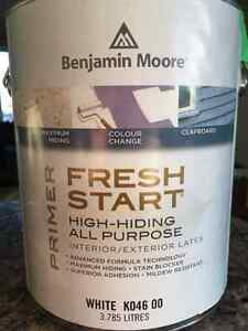 1 gallon of Benjamin Moore primer