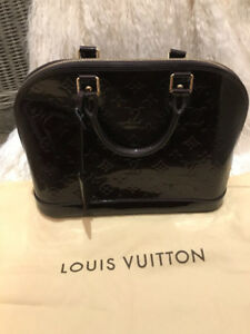 Authentic Pristine Louis Vuitton Alma PM Handbag