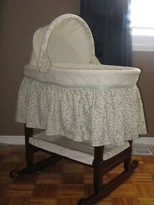 Safety 1st Solid Wood Bassinet