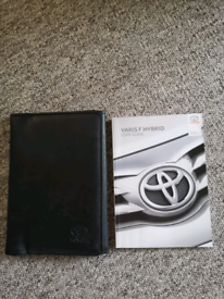 Toyota yaris user guide book with wallet