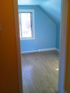 POINTE CLAIRE , 3 bedroom, renovared, clean West Island Greater Montréal image 9