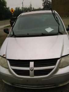 2005 Dodge Caravan with 328000 KM