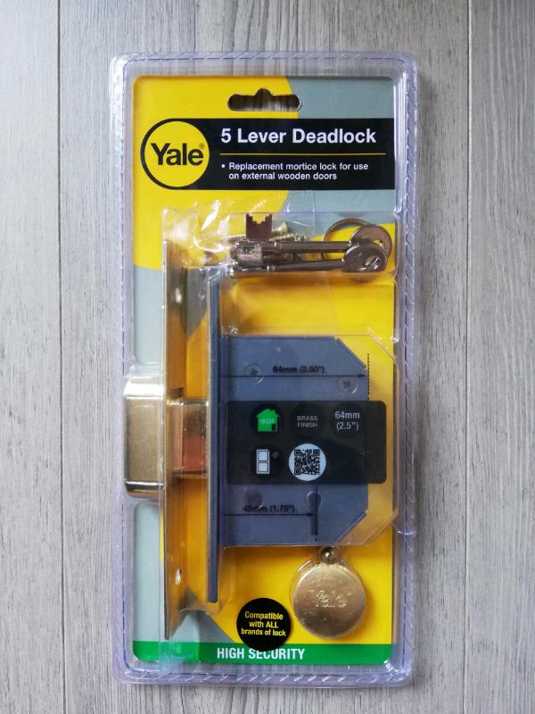 Yale door lock   in Southampton, Hampshire   Gumtree Yale Wooden Door Locks on