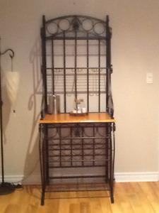 Display shelf / wine holder