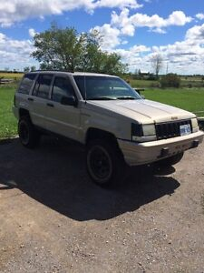 1995 Grand Cherokee and a parts jeep