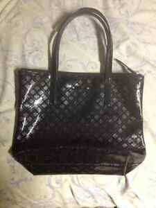 Kate spade tote,scarf, and shoulder carrier London Ontario image 5