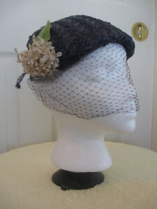 CHARMING OLD VINTAGE LADY'S NAVY BLUE VEILED SUNDAY BONNET