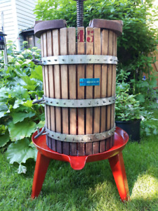 Extra Large #45 Italian made Wine/Apple Cider Press