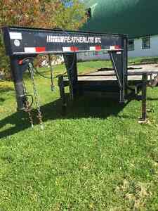 Livestock or horse trailer & flatbed feather lite equipment Kingston Kingston Area image 6