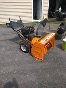 Souffleuse columbia 13 hp commercial 750$