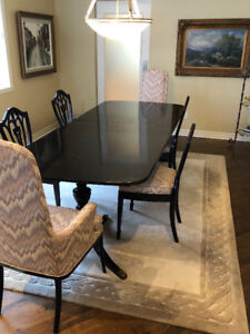 Dining room table set and cabinet (breakfront, hutch) for sale!