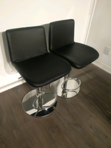 2 Black Leather Bar Stools like new condition
