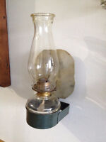 Lampe a L'huile Murale ** ANTIQUE ** Wallmount Oil lamp