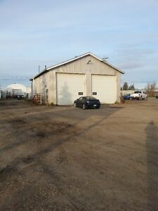 Large 2 bay heated shop for rent in Tofield - $1600/month
