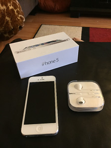 White iPhone 5 16GB for sale - locked to Telus