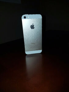 Gold iPhone 5S 16 GB