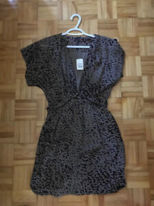 Women's Dress Size Small Le Chateau