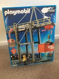 Brand new playmobil motorised cargo loading terminal crane