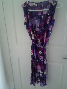 Wrap summer Dress by Le Château, in size XS