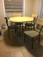 Kitchen Table + 4 Chairs