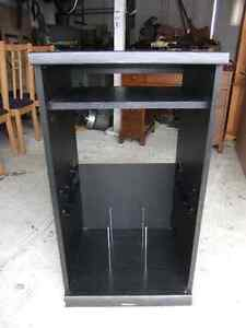 stereo componants cabinet in good cond