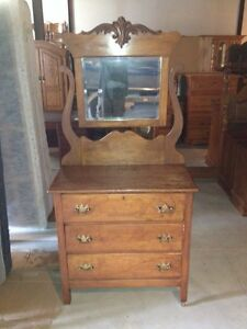 Oak swing mirror dresser