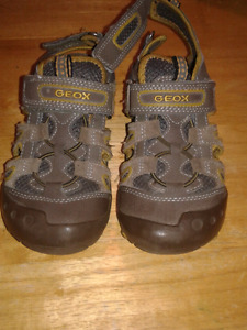 Boys sz12 GEOX SANDALS worn 1/2 a season