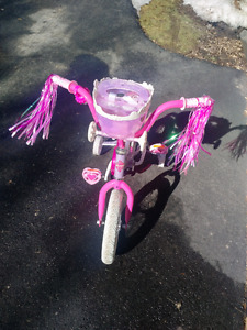 Girls Bike - w/training wheels
