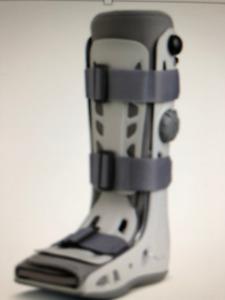 Crutches & Aircast Airselect Walking Boot