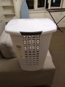 Laundry hamper