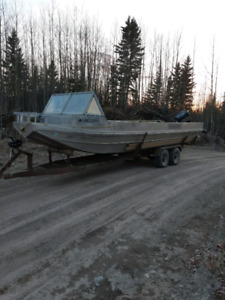 24 Foot Valco with 1993 Evinrude Spitfire 175 horse