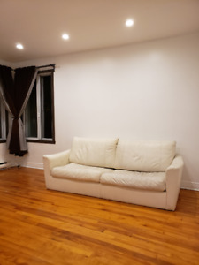independent rental room with pool facility for females @435
