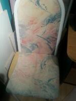 2 chaises de cuisine a donner