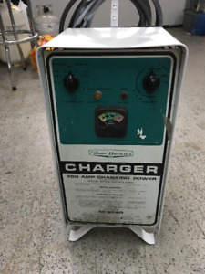 Silver Beauty Battery Charger