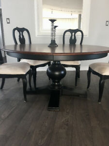 Ethan Allen Cooper Round Dining Table