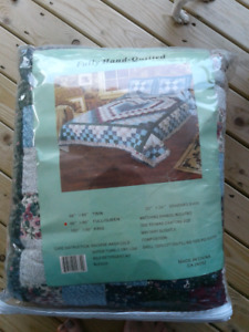 BRAND NEW QUEEN SIZE QUILT WITH MATCHING SHAMS