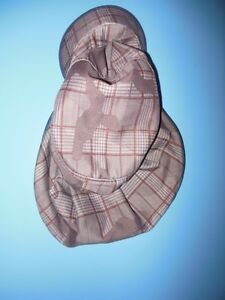 Gap hat with protective back and side flaps