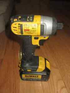 Dewalt 20v Max Hammer Drill/Driver and Impact Set Kingston Kingston Area image 7