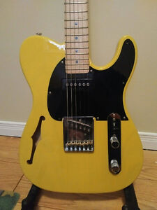 G&L ASAT Classic Custom. semi hollow. Telecaster  Made in USA
